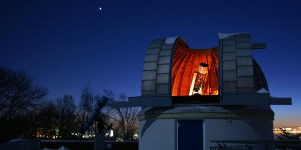 Sternwartenkuppel am Abend