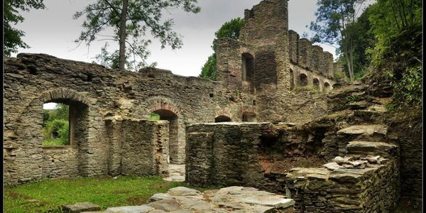 Reste der Burg Neuberg