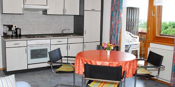 Wohnung 1 Küche und Essplatz