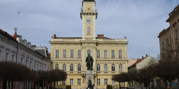 A révkomáromi városháza