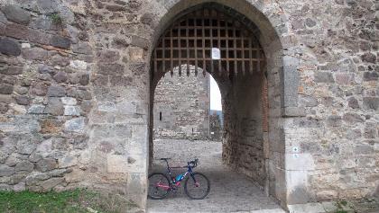 Salamon torony kapuja nyitva áll a bringások előtt