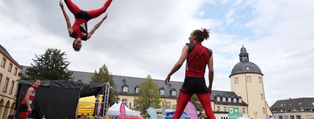 Stadtfest Siegen Trampolinartisten