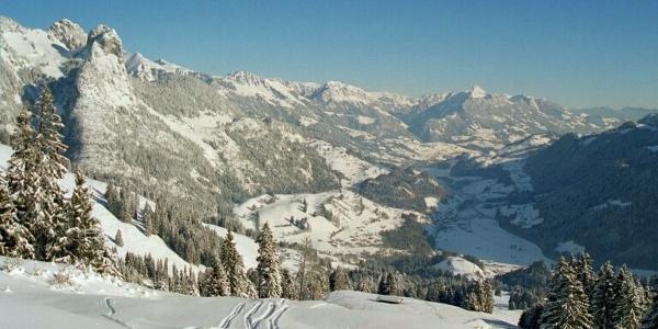 Aussicht vom Jaunpass in Richtung Niedersimmental