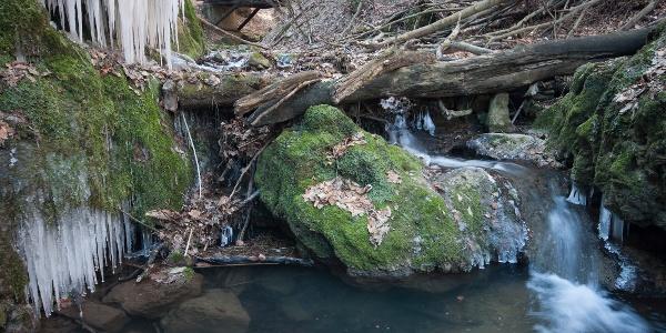 Kis vízesés a Csepegő-sziklánál