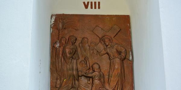 Zebegényi kálvária, VIII. stáció: Jézus szól a síró asszonyoknak
