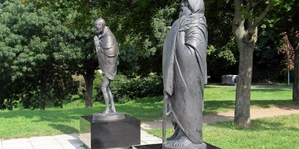 Részlet a Filozófusok kertje gellért-hegyi szoborcsoportjából