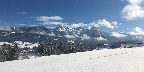 Verschneite Allgäuer Berglandschaft