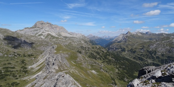 Blick vom Roggelskopf Richtung Rote Wand/Formarinsee