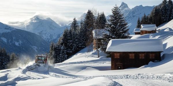 Präparieren der Winterwanderwege