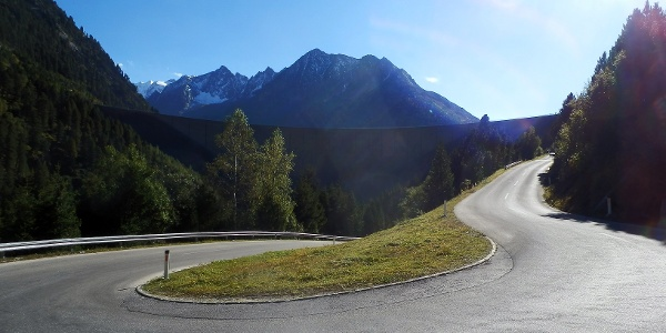 Schon auf dem Weg zum Ausgangspunkt lässt sich das Panorama erblicken