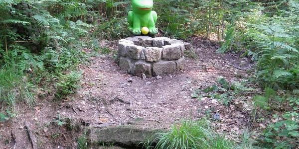 Lindenhofquelle mit Froschkönig