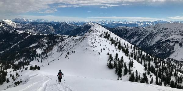Abstieg mit großem Panorama