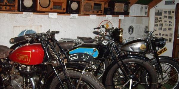Exponate im Motorradmuseum