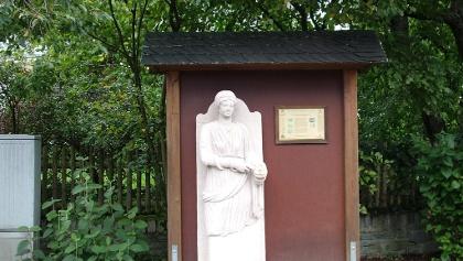 Sirona Statue