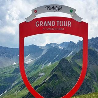 Fotospotstelle der Grand Tour of Switzerland mit Blick auf den Gipfel des Pizol
