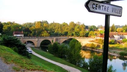 Brücke über Gave d´Oloron ausgangs Navarrenx