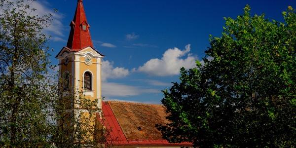 Kirche im Ortszentrum Bad Loipersdorf
