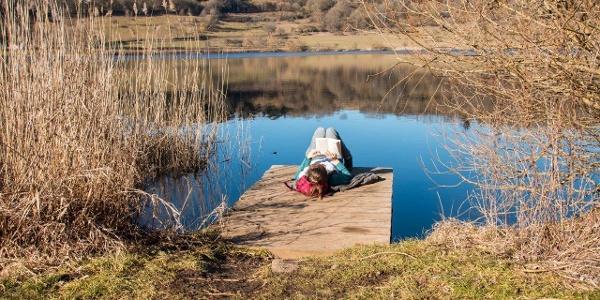 Entspannend: Lektüre im Wasserbett