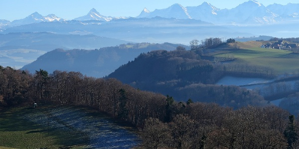 Alpensicht auf dem Gurten-Rundweg.