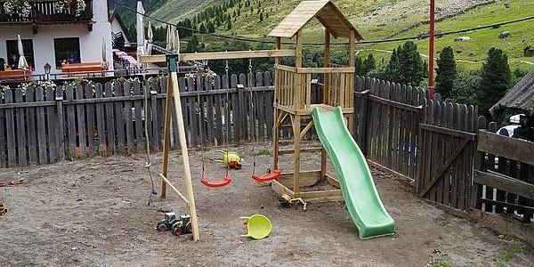 Auch für die Kleinen ist gesorgt, der Spielplatz beim Gasthof Rofenhof