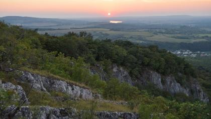 Naplemente a Duna völgye fölött