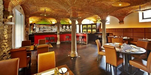 Vis à Vis Weinbar und Restaurant