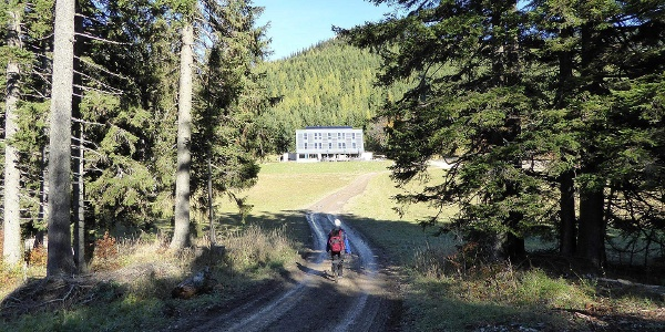 Auf dem Weg zum NATURFREUNDE-Haus Knofeleben