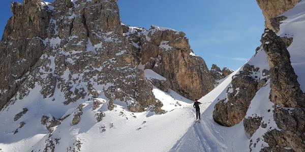 Nicht weit nach dem Skigebiet taucht man in diese tolle Landschaft ein