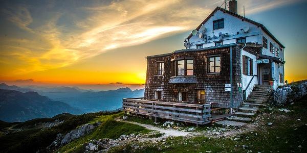 Beliebte Einkehrmöglichkeit im Lattengebirge