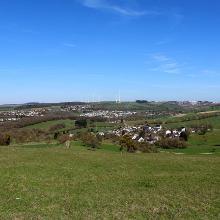 Blick auf Fusenich mit Trierweiler im Hintergrund