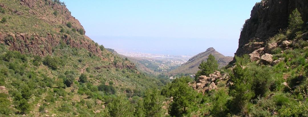 Barranco del Lobo mit Melilla im Hintergrund