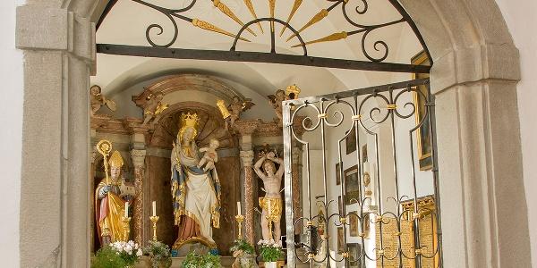 <![CDATA[Wallfahrtsmadonna in der Portalkapelle]]>