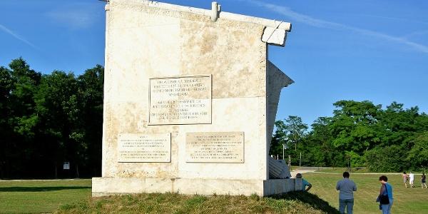 Páneurópai Piknik emlékmű hátsó fala