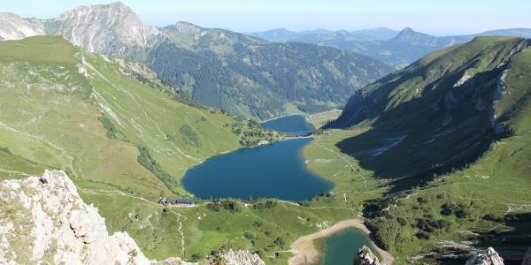 Drei-Seen-Blick von der Lachenspitze