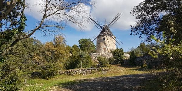 'Moulin a Vent' outside Joucas