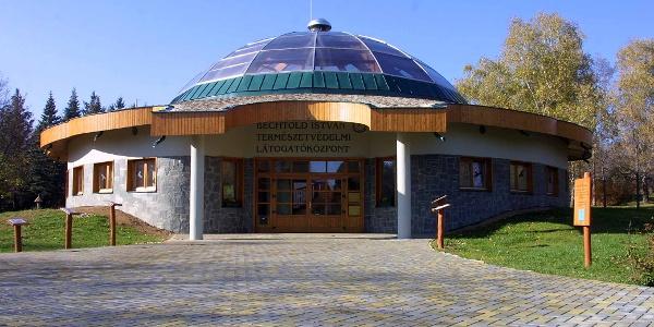 A Természetvédelmi Látogatóközpont az Aradi Vértanúk parkjában
