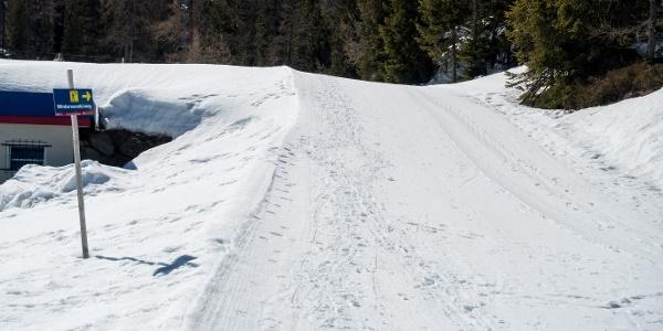 Winterwanderweg beim Speichersee