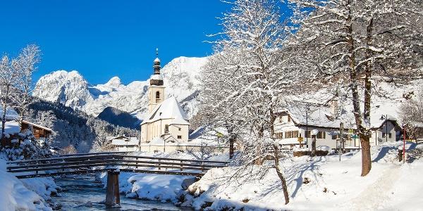 <![CDATA[Die Ramsauer Kirche im Winter]]>
