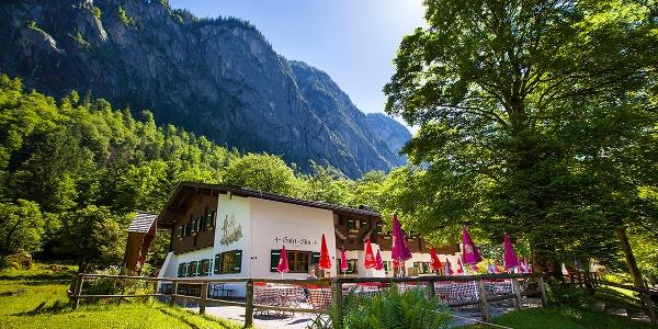 <![CDATA[Die Berggaststätte Saletalm zwischen Obersee und Königssee]]>