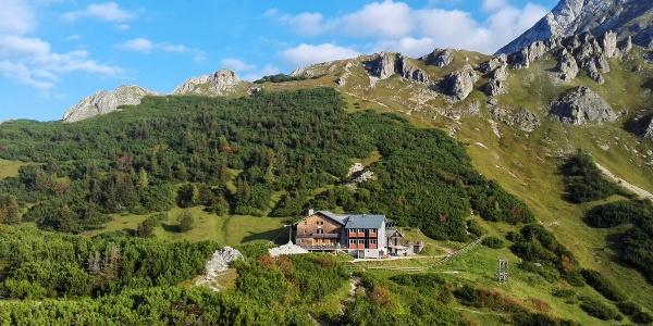 Das Carl-von-Stahl-Haus in schöner Lage zwischen Hohem Brett und Schneibstein