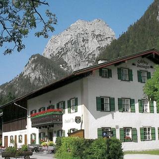 <![CDATA[Der Auzinger am Hintersee   Bergsteigerdorf Ramsau]]>