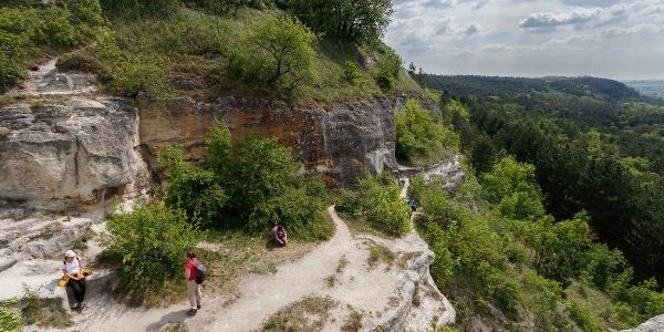 A Nyakas-kő tetejére egy kis mászással lehet feljutni
