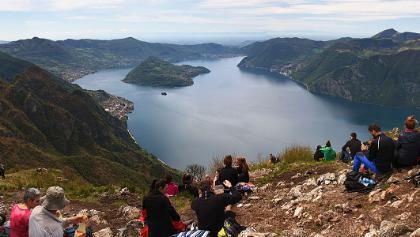 Great summit panorama - southwards