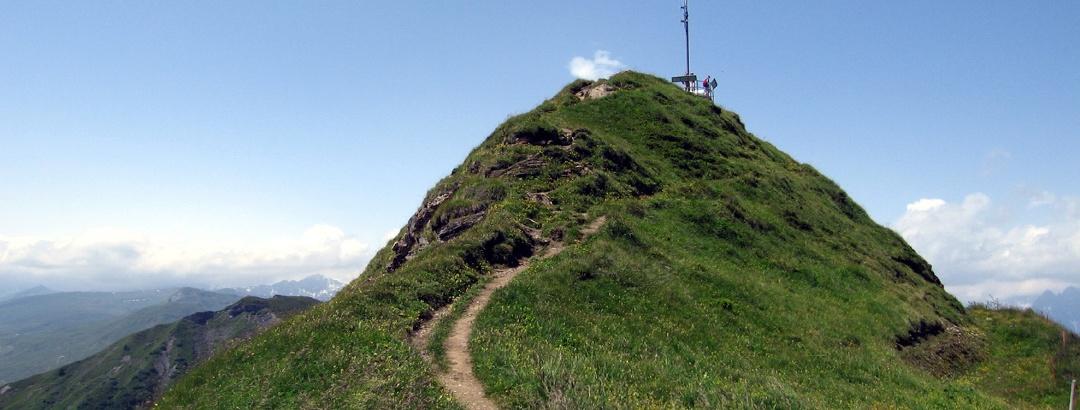 Wanderweg zur Aussichtsplattform auf dem Piz Mundaun