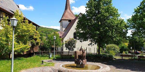 Der Ausgangspunkt der Tour ist die Dorfkirche von Ochsenbach