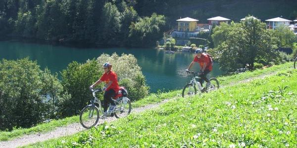 Rosentaler Hof, mit dem e-Bike dem See entlang