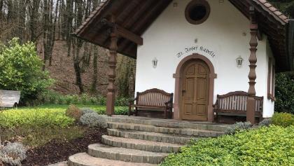 Die St. Josef's Kapelle in Macherbach lädt zur Rast ein.