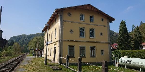 Bahnhofsgebäude in Goßdorf