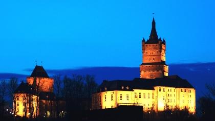Schwanenburg in der Dämmerung