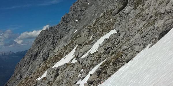 Querung nach der Fußballwiese bei Altschnee